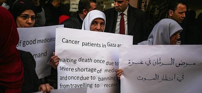 Gazze'de Kanser Hastaları Eylem Yaptı