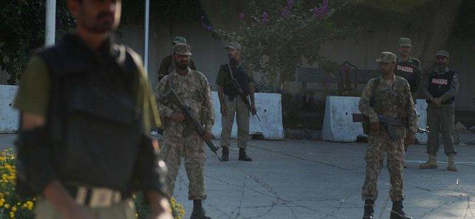 Pakistan'da Üniversiteye Saldırı: 20 Ölü