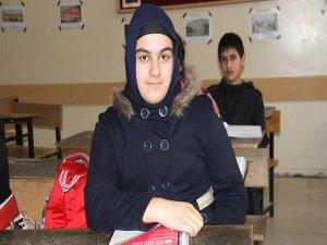 PKK'nın İki Defa Yaktığı Okuldan Türkiye Birincisi Çıktı