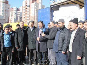 İslami STK'lardan Sur Halkına 3 TIR Yardım Daha