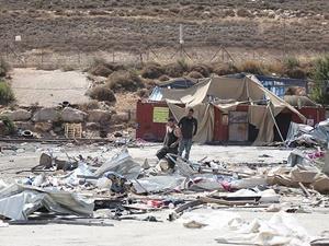 İşgalci İsrail, Kudüs'te Filistinlilere Ait 4 Barakayı Yıktı!