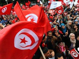 Tunus Hükümetinden Protestoculara İstihdam Vaadi