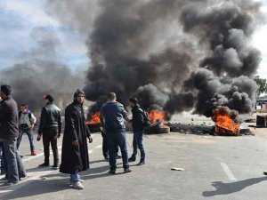 Tunus'ta İşsizlik Protestoları Yayılıyor