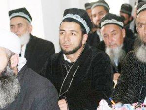 Tacikistan Devleti Sakalları Zorla Kesiyor, Tesettürü Yasaklıyor!