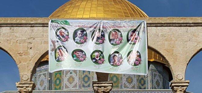 60 Bin Filistinli Mescidi Aksa'da Cuma Namazı Kıldı