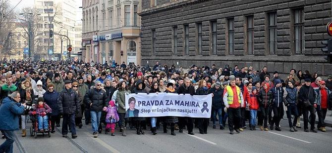 """Bosna Hersek'te """"Okullarda Şiddet"""" Protesto Edildi"""