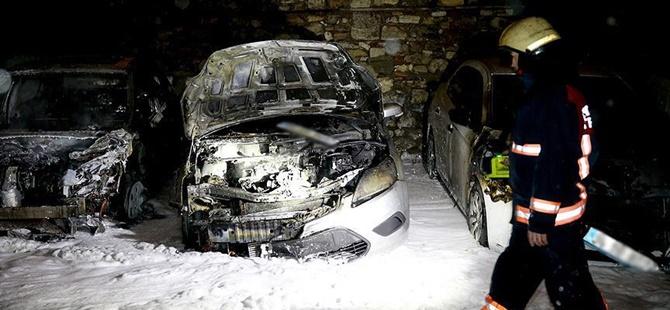 Kumkapı'da 7 Araç Kundaklandı!