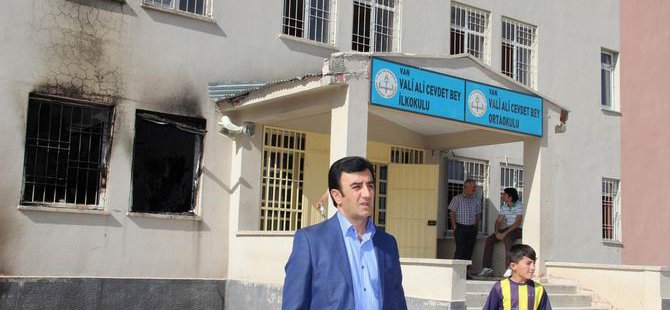PKK'liler Bir Gecede 3 Okula Saldırdı