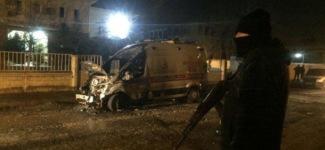 Batman'da PKK'liler Ambulans Yaktı