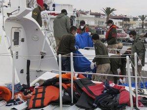 Çanakkale'de Göçmenleri Taşıyan Tekne Battı: 10 Ölü
