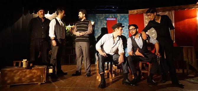 """""""Tiyatro Sahnelerinde Gittikçe Ahlaksızlaşan Bir Dil Var"""""""