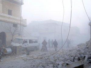 Rus Uçakları Halep'te Kültür Merkezini Bombaladı
