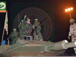 Kassam Tugayları İlk Kez Yerli Yapımı Tankını Gösterdi