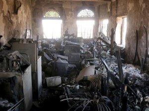 Husiler Taiz Ulusal Müzesi'ni Bombaladı