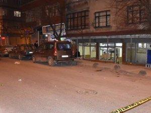 Sultangazi'de Kahvehane Tarandı