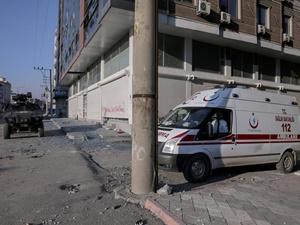 Ambulansların Anonslarına Ateşle Karşılık Verdiler