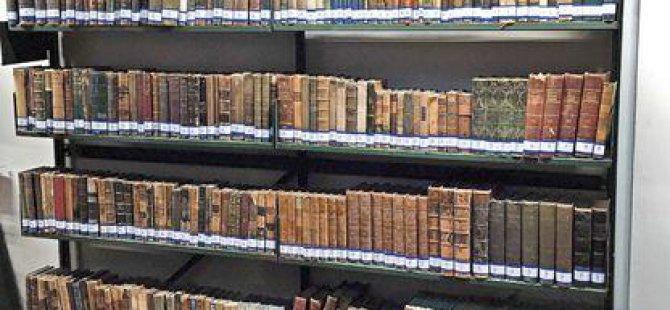 Alemdaroğlu Hukuk'un Kütüphanesini de Çöpe Atmış!