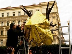 Çinli Heykeltraş Çek Cumhuriyeti Hükûmetini Protesto Etti