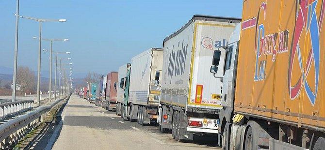 Yunanistanlı Çiftçilerin Kipi Sınır Kapısı'ndaki Eylemleri Sürüyor