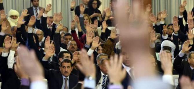 Cezayir'de Berberi Dili Resmî Dil Olarak Kabul Edildi