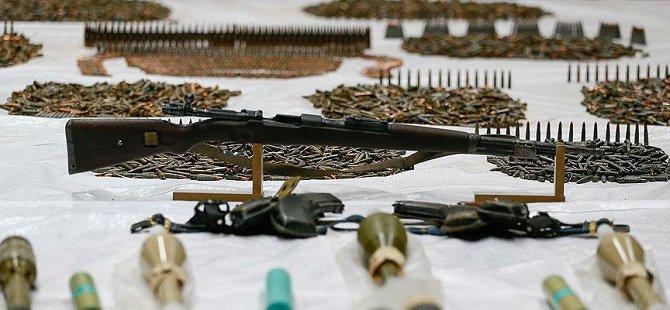 Sur'da Silah ve Mühimmat Ele Geçirildi