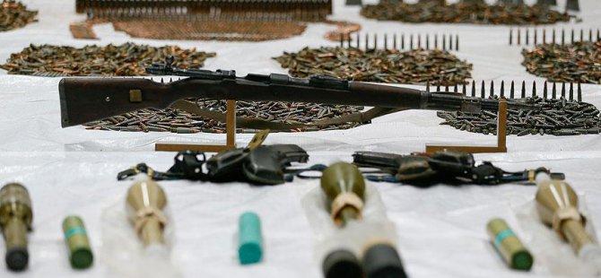 3 İngiliz Silah ve Mühimmatla Yakalandı