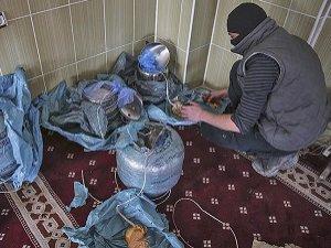 PKK'lılar Camiye Patlayıcı Saklamış