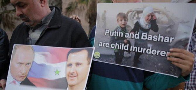 Filistinliler Rusya ve Esed'i Protesto Etti