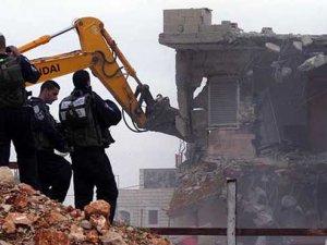 Siyonist İsrail Filistinlilerin Okulunu Yıktı
