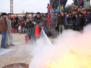 Suriye'de Artan Bombardımanlara Karşı İlk Yardım Eğitimi
