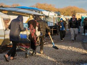 Calais Kampı'nın Boşaltılması Kararına Büyük Tepki