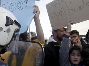 Afganistanlı Mültecilerden Protesto