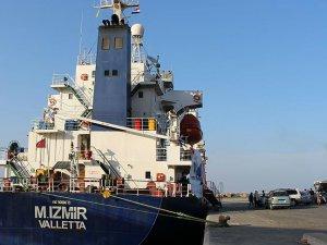 Yemen'e Yardım Götüren 'Şefkat Gemisi' Aden'e Ulaştı