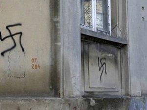 Almanya'da Üç Ayda 24 Camiye Irkçı Saldırı Gerçekleştirildi