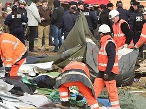 Fransa Polisi Mülteci Kampını Yerle Bir Ediyor!