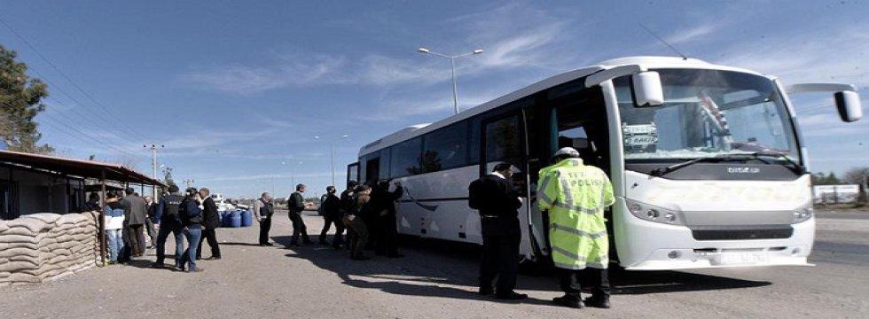 Diyarbakır'da Giriş ve Çıkışlar Kontrol Altına Alındı