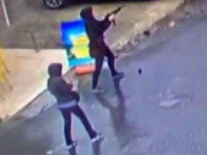 Bayrampaşa'da Polise Saldıran İki Kişi Öldürüldü
