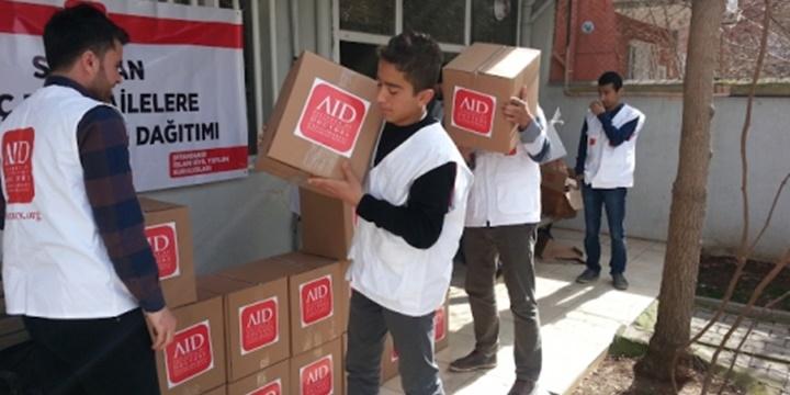 AID Sur Mağduru Ailelere Hijyen Paketi Dağıttı