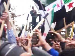 Kısmi Ateşkesi Fırsat Bilen Suriye Halkı Alanlara İndi