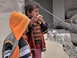 """""""Suriye'de Çocuklar Taze Meyve ve Sebzenin Tadını Unuttu"""""""