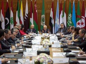 Arap Parlamentosu'ndan Velayati'nin Açıklamalarına Kınama