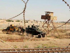 Suriye'den Atılan Roket Jandarma Lojmanına Düştü
