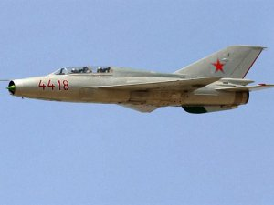 Direnişçiler Hama'da Rejim Uçağını Düşürdü