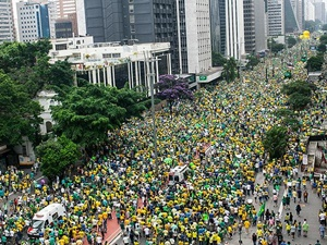 Brezilya'da Devlet Başkanı Rousseff Karşıtı Gösteriler Düzenlendi