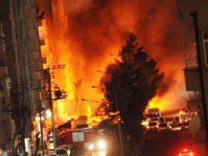 Diyarbakır'da PKK ile Polis Arasında Çatışma