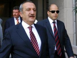 Mehmet Ağar'a 1 Yıl Hapis Cezası İstendi