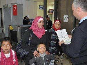Suriyeli Mültecilere 'Seyahat İzin Belgesi' Uygulaması