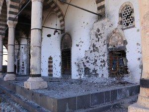 Sur'daki Kurşunlu Camii'ni Bu Hale Getirmişler (FOTO)