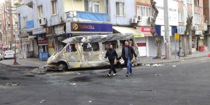 Diyarbakır Emniyeti'nden PKK'ya Bilgi Sızdı İddiası