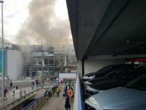 Brüksel Havalimanı'nda İki Patlama